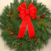 30 inch deluxe traditional christmas wreath - Large Christmas Wreaths