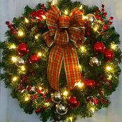 Deluxe Traditional Christmas Wreath with Lights